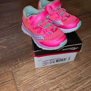 Toddler Saucony shoes